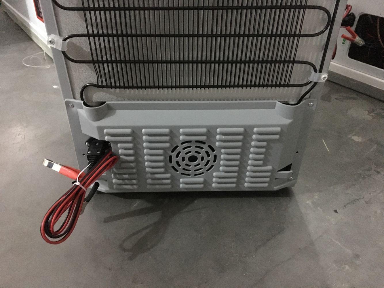 Factory supply DC 12v 24v solar power 50L  refrigerator fridge freezer