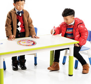Moetry India Trending Plastic Play School Furniture Kids Tables And Chairs Rectangular Drawable Desk